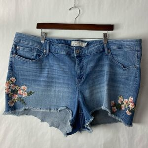 Torrid jean shorts embroidered floral 24